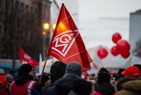 German industrial workers and employers strike deal on pay, working hours