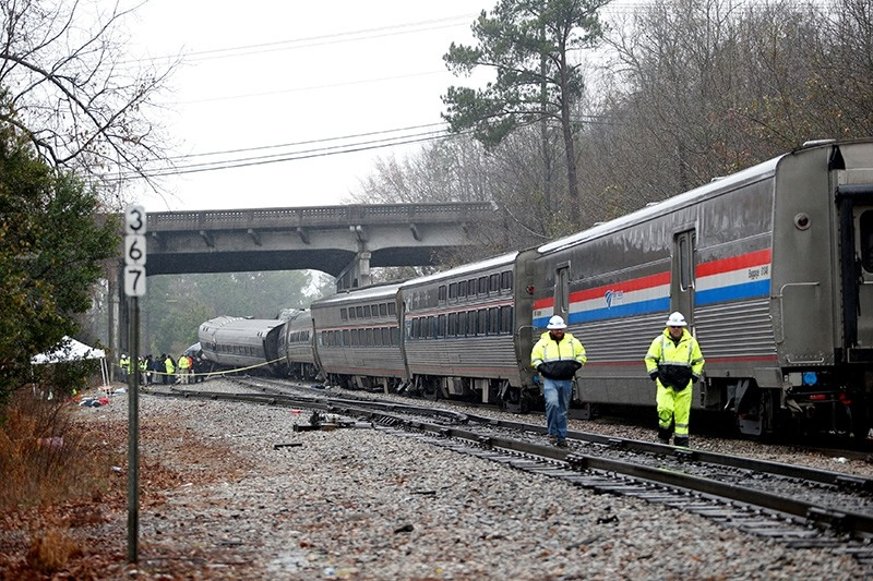 Emergency responders are at the scene after an Amtrak passenger train collided with a freight train and derailed in Cayce, South Carolina, U.S., Feb. 4, 2018. (Reuters Photo)