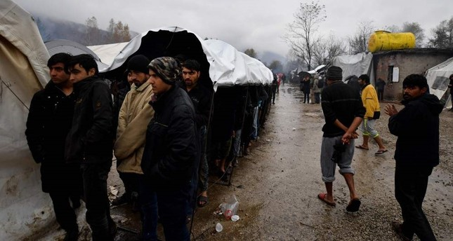 Humanitarian concerns grow over migrants at Bosnia-Croatia border