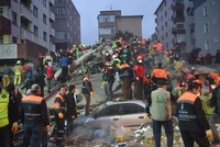 21 человек погиб, 14 пострадали при обрушении жилого дома в Стамбуле