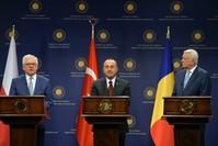 الاجتماع الثلاثي الأول بين وزراء خارجية تركيا ورومانيا وبولندا، وارسو 9 يونيو 2016 الأناضول