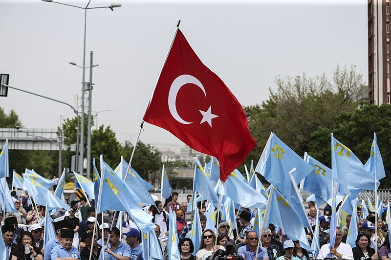 People of Crimean Tatar descent hold a commemoration rally in Tandou011fan Square in Ankara, May 13, 2017. (AA Photo)