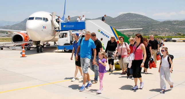 Number of foreign visitors flying to Antalya up 32 pct
