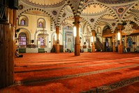 منظر داخلي لمسجد كابو في قونية Shutterstock