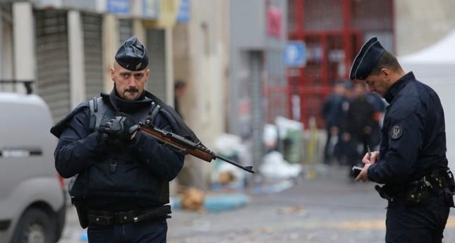 عناصر من الشرطة الفرنسية (من الأرشيف)