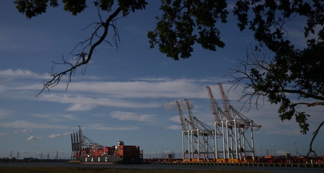 Shipping containers stacked on a cargo ship are seen in the dock at the ABP port in Southampton, U.K., Aug. 31, 2019. (Reuters Photo)