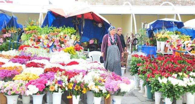 Taksim's iconic florists get permanent stalls