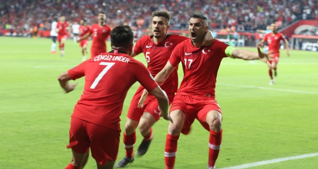 Cengiz Ünder and teammates celebrate the second goal against France, June 8, 2019.