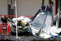 5 dead after small plane crashes in California parking lot