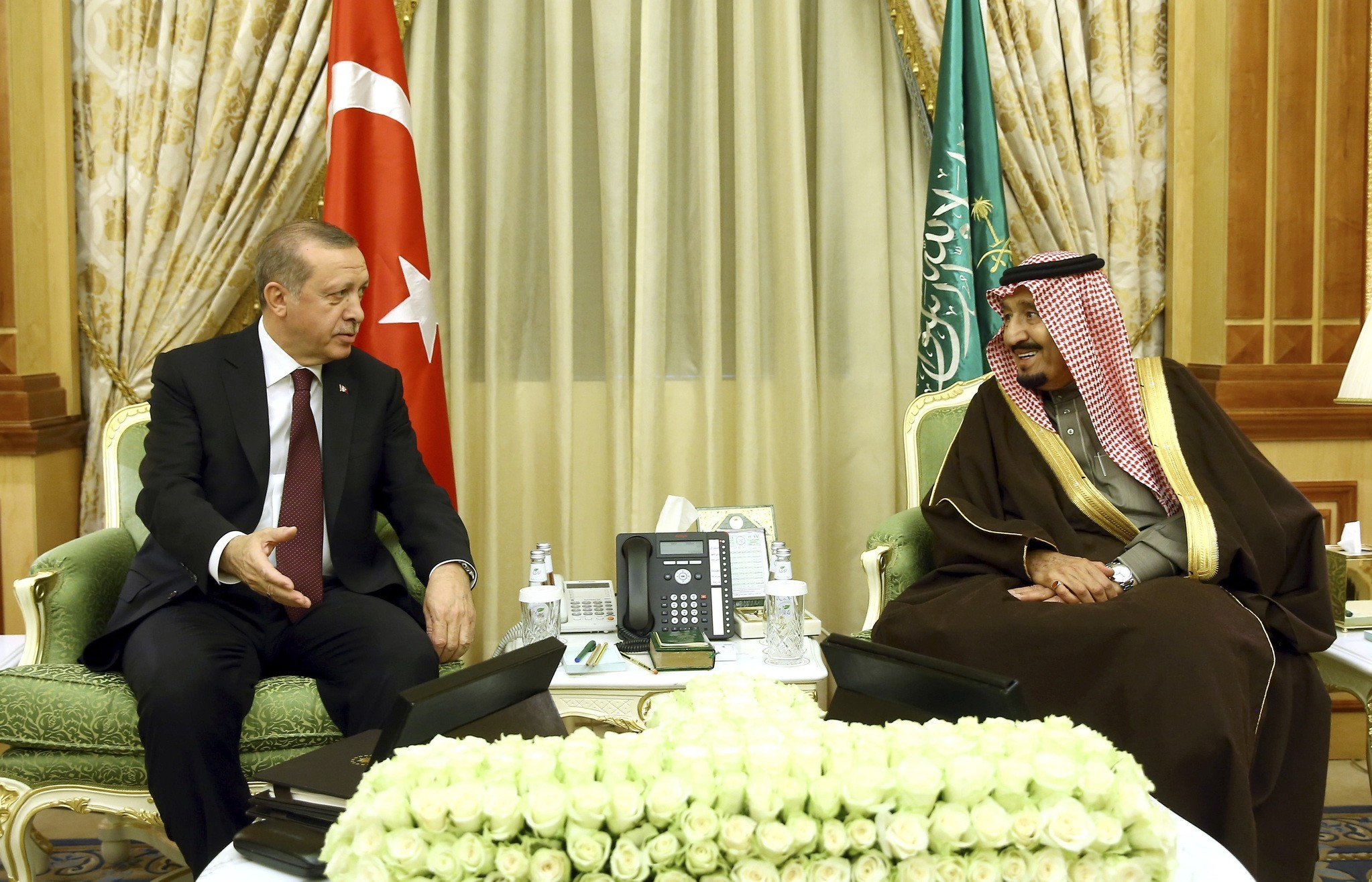 President Erdou011fan met with Saudi King Salman in Riyadh Tuesday to discuss regional issues as well as the future of economic partnership.