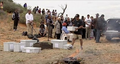 pThe oldest human remains found in Australia were on Friday returned to the Outback desert that he roamed some 42,000 years ago in a ceremony celebrated by traditional owners./p