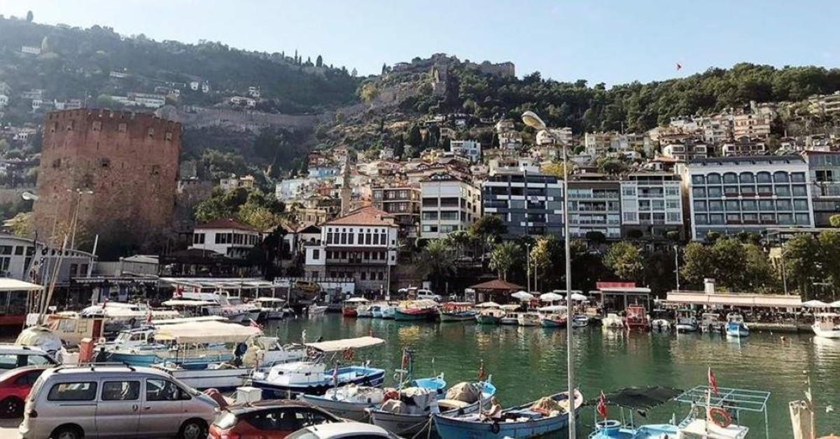 Alanya district in southern Turkey's Antalya province attracts more and more foreign residents and tourists with its historical and natural beauty. (AA Photo)