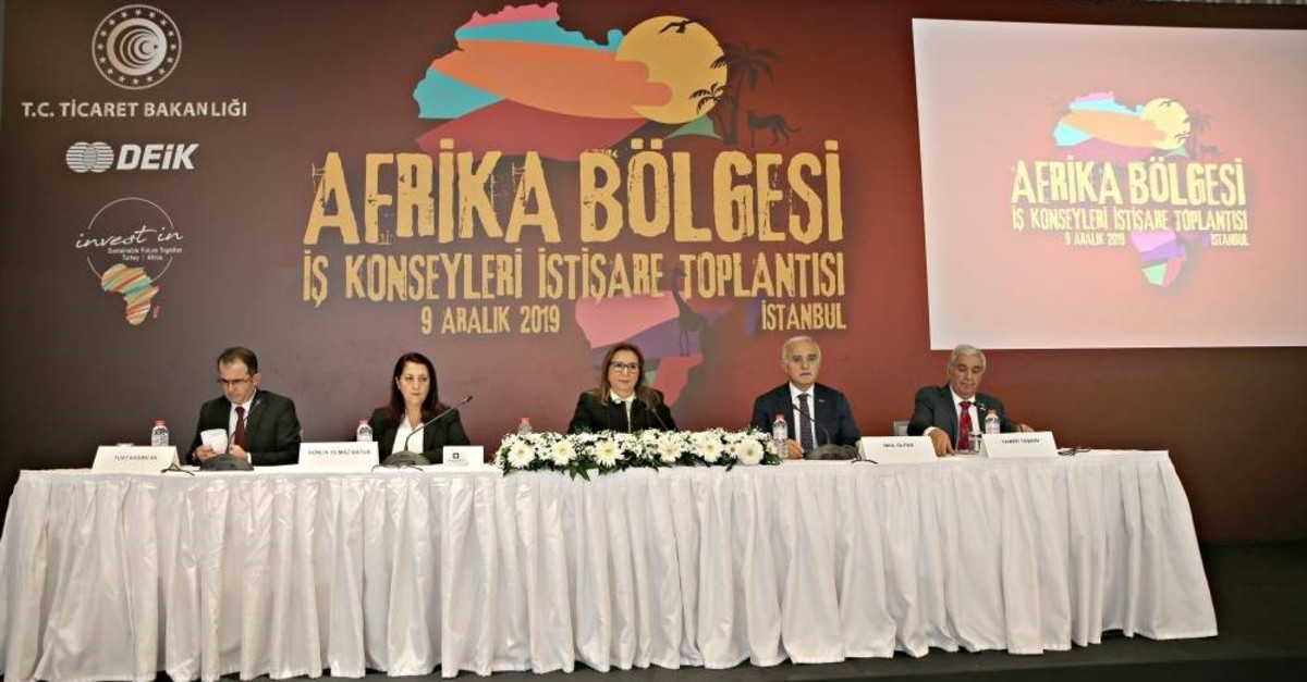 Trade Minister Ruhsar Pekcan (C) speaks at the consultation meeting of African Business Councils under Turkey's Foreign Economic Relations Board, Istanbul, Dec. 9, 2019. (AA Photo)