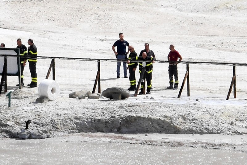Rescuers arrive at Solfatara di Pozzuoli where three people died in the crater at Pozzuoli, Naples, Italy, 12 September 2017. (EPA Photo)
