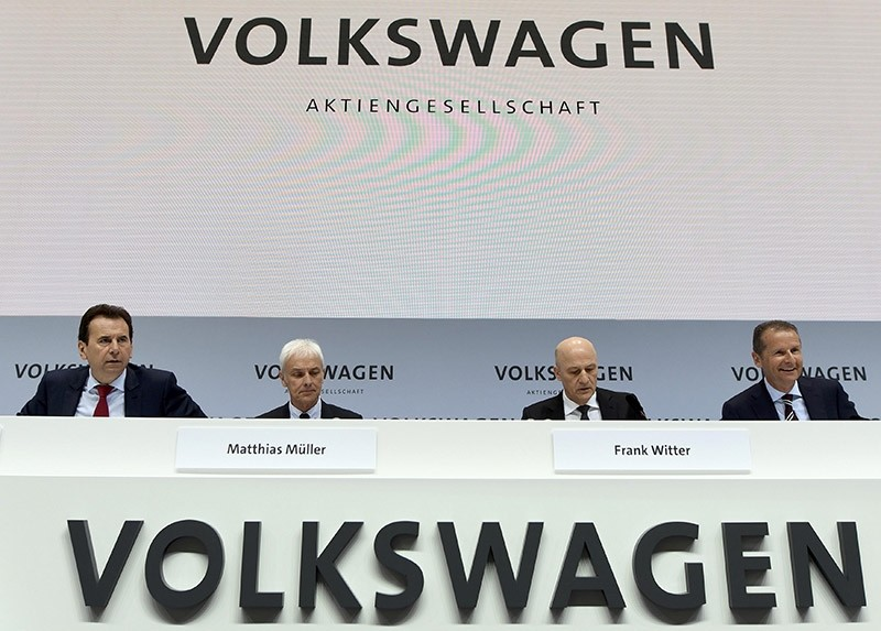 German carmaker Volkswagen CEO Matthias Mueller and board members attend the company's annual news conference in Wolfsburg, Germany, March 14, 2017. (Reuters Photo)