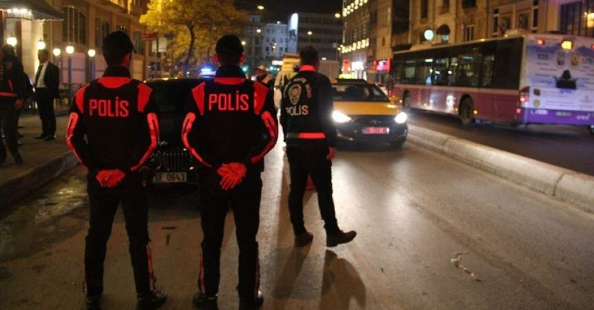 Security forces continue their efforts to establish public order in Istanbul with non-violent crime rates on the decrease in the first 10 months of 2019. (AA Photo)