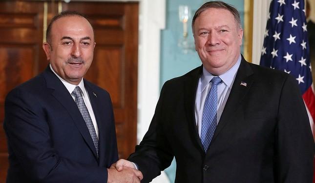 FM Çavuşoğlu, US counterpart Pompeo discuss Syria in phone call