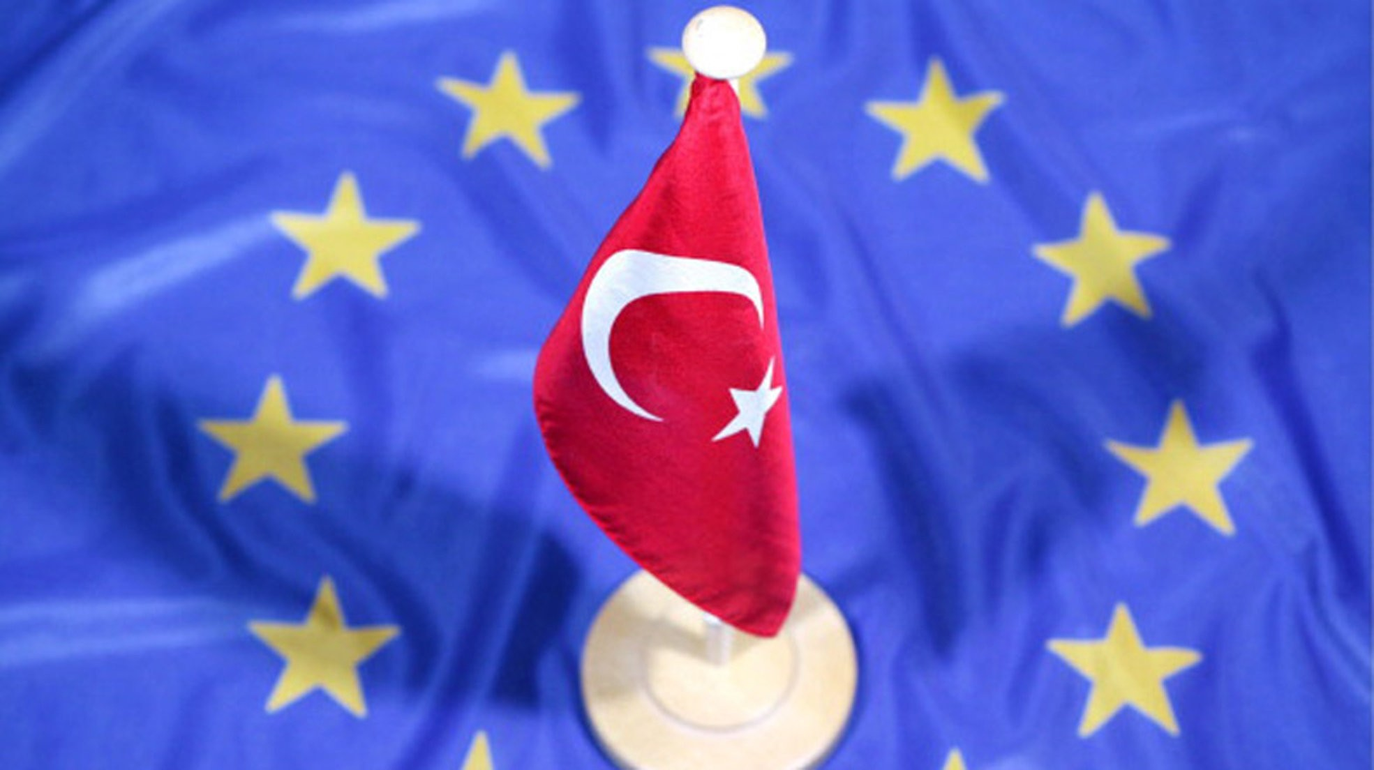 EU Affairs Minister u00d6mer u00c7elik said that the March 18 agreement foresees opening new chapters, visa liberalization and voluntary readmissions and not opening chapters would mean denying loyalty to the March 18 agreement.