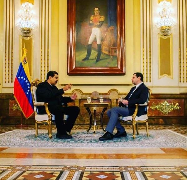 Venezuelan President Nicolas Maduro gives an interviews to journalist Cu00fcneyt u00d6zdemir from Turkish broadcaster CNN Tu00fcrk. (Photo: Instagram / cuneytozdemir)