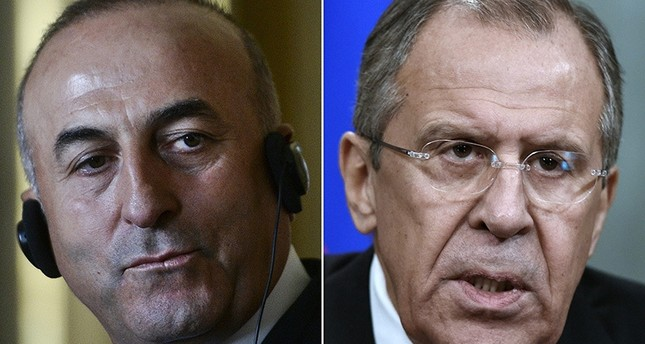 Turkish Foreign Minister Mevlüt Çavuşoğlu (L), Russian Foreign Minister Sergei Lavrov (R) (AFP photo)