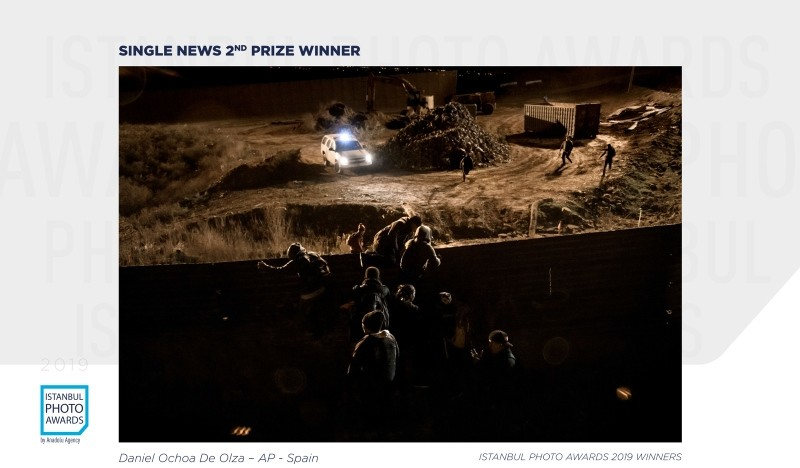 Single News 2nd Prize — Massive Jump of the USA/Mexico Border Fence