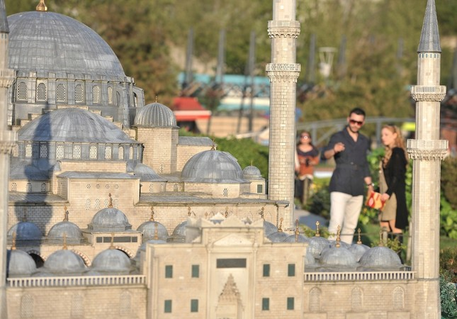Combining the architectural structures reflecting Turkey's cultural and civilizational background with their models presented, Miniatürk hosts 132 models of architectural structures both from Turkey and all around the world.