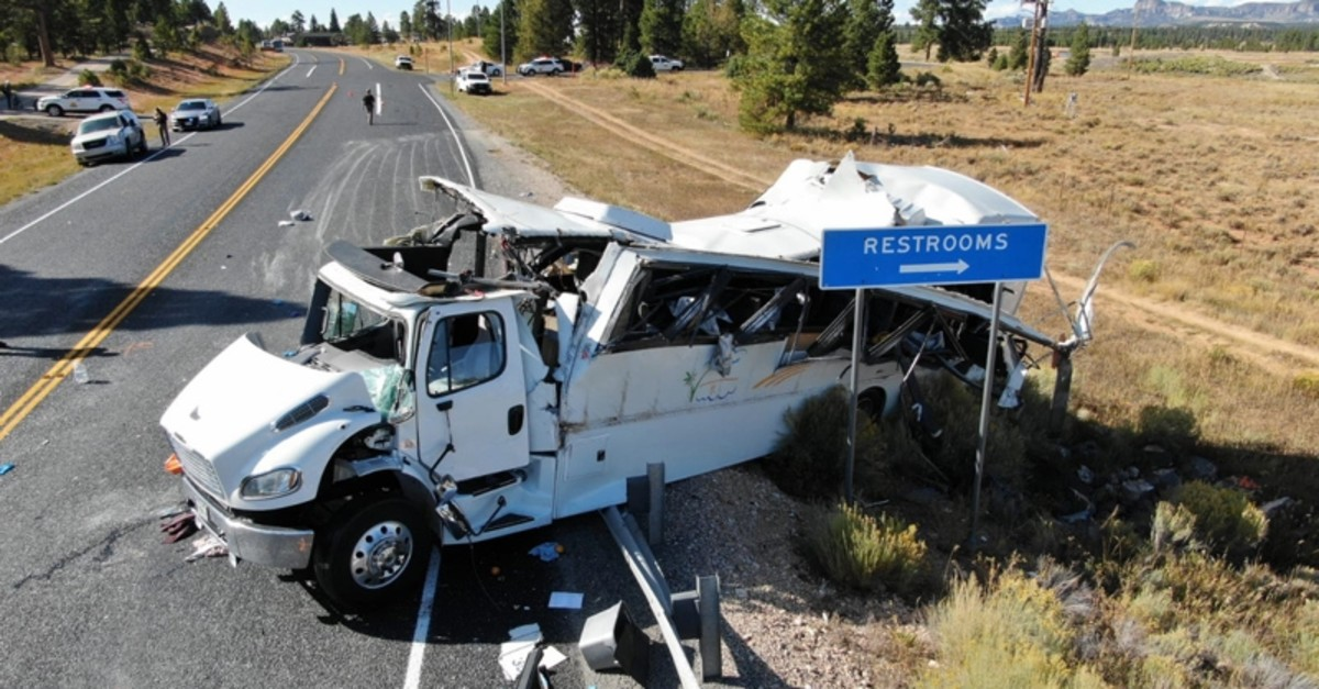 A handout photo made available by the Utah Highway Patrol shows the scene of a multiple-fatality bus crash which occurred on Utah Highway 12 near the Bryce Canyon National Park (EPA Photo)