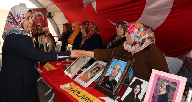 تواصل اعتصام أمهات ديار بكر لليوم الـ141 على أمل اللقاء بأبنائهن