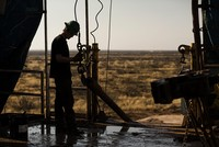 US oil production to rise again in 2018, OPEC says