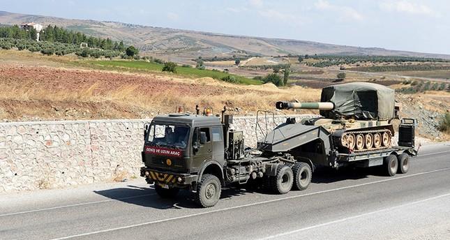 الجيش التركي يرسل تعزيزات عسكرية جديدة إلى الحدود مع سوريا