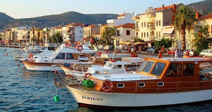 Foça explored: Old Aegean town thrives once again
