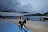 Istanbulites pick bicycles to avoid traffic jams, lead a healthy life