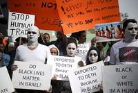 Thousands of African migrants protest Israeli plan to deport them