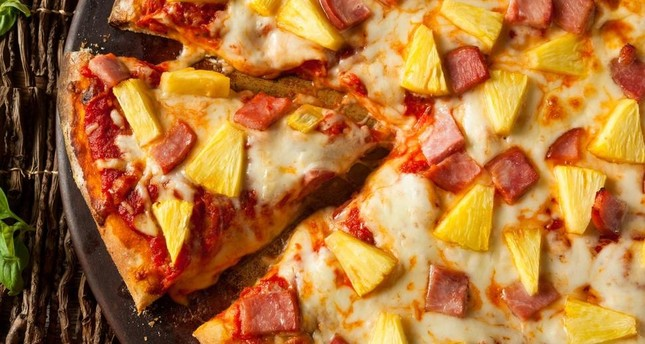 Iceland's president wants to ban pineapple on pizza