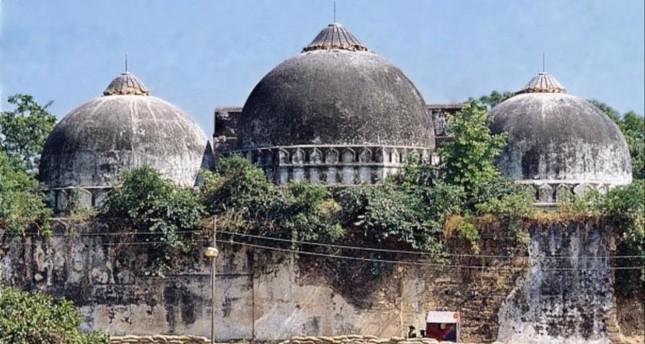 أعلى محكمة هندية تقضي ببناء معبد هندوسي في موقع مسجد بابري التاريخي