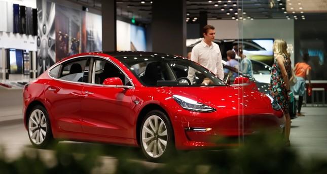Tesla shares dive 9 percent after missing Model 3 deliveries
