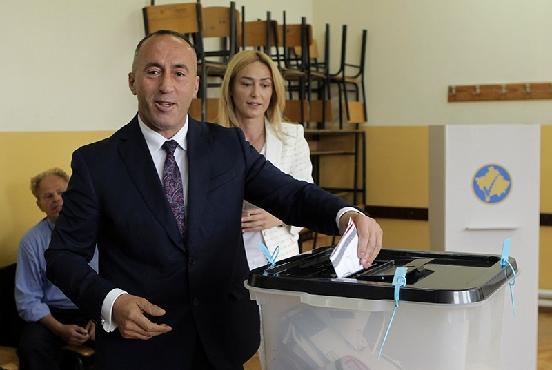 Ramush Haradinaj, candidate for Prime Minister, of the coalition of the former Kosovo Liberation Army (KLA) commanders AAK, PDK and NISMA casts his vote during the Parliamentary elections in Pristina (Reuters Photo)