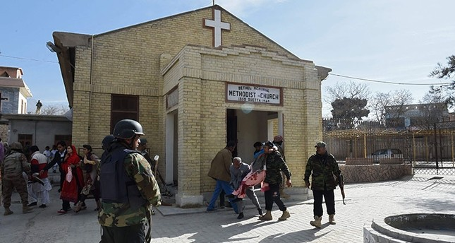 8 killed in suicide attack on Pakistan church