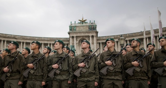 This Oct. 26, 2016 file photo shows recruits of the Austrian armed forces attending the swearing-in ceremony on Austrian National Day (Nationalfeiertag) on Heldenplatz square in Vienna, Austria (EPA Photo).