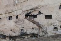 الغرف الصخرية بـتونج إيلي التركية لوحة فنية رسمها التاريخ