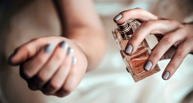 Instead of using a large amount, five sprays of perfume around areas, such as your neck and wrists make the fragrance last longer on the body.
