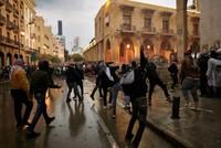 مواجهات بين قوات الأمن ومحتجين أمام البرلمان اللبناني ببيروت