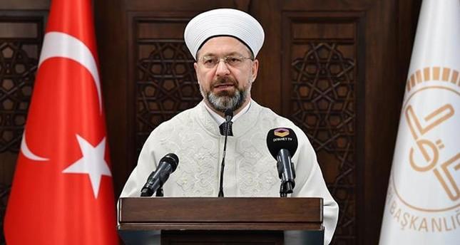 رئيس الشؤون الدينية التركية يصف قرار النمسا بأنه خاطئ جدًا ويخالف حقوق الإنسان والحريات الدينية