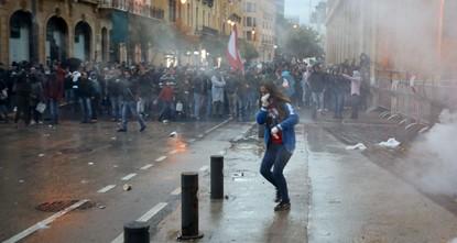 مواجهات بين قوى الأمن ومحتجين وسط بيروت