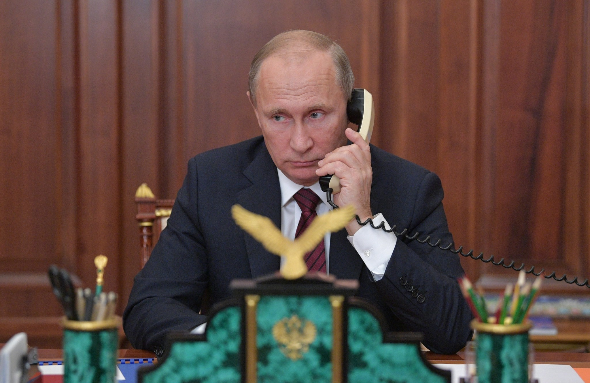 Putin holds a telephone conversation with leaders of the self-proclaimed republics, Donetsk People's Republic and Luhansk People's Republic, in the Kremlin in Moscow, Russia, 15 November 2017. (EPA Photo)