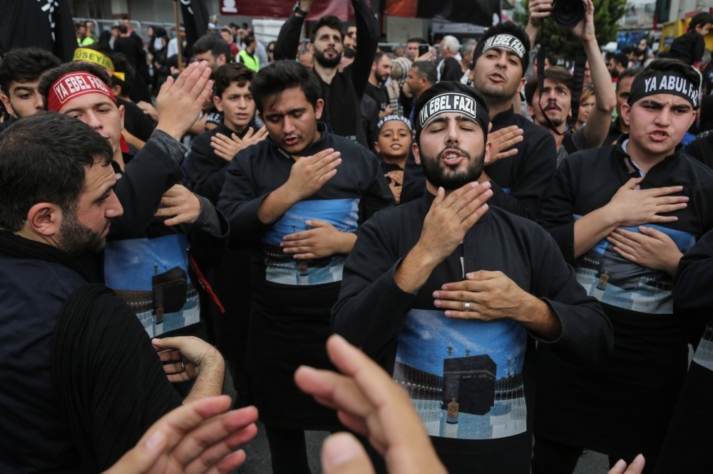The Jafari community in Istanbul marked the day with a parade where they beat their chests in mourning.