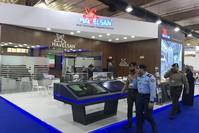واحد من الأجنحة التركية المشاركة في معرض الخليج للدفاع والطيران في الكويت (الأناضول)