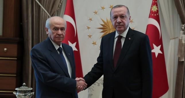 أردوغان يجتمع بزعيم حزب الحركة القومية التركي المعارض دولت باهتشلي