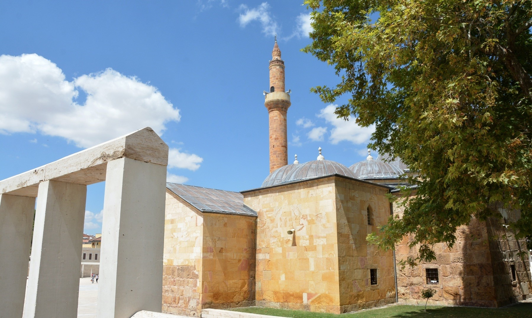 Founded by Evran-u0131 Veli in the 1300s, the Dervish Lodge, which served as a soup kitchen, a spot for dervish rituals, a religious retreat and a space for Islamic mysticism, serves as the Evran-u0131 Veli Mosque and Shrine today.