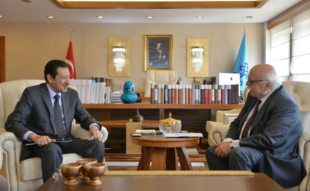 Turkeyu2019s Minister of Culture and Tourism Nabi Avcu0131 welcomed Saudi Arabiau2019s ambassador to Ankara, Waleed Elkereji.